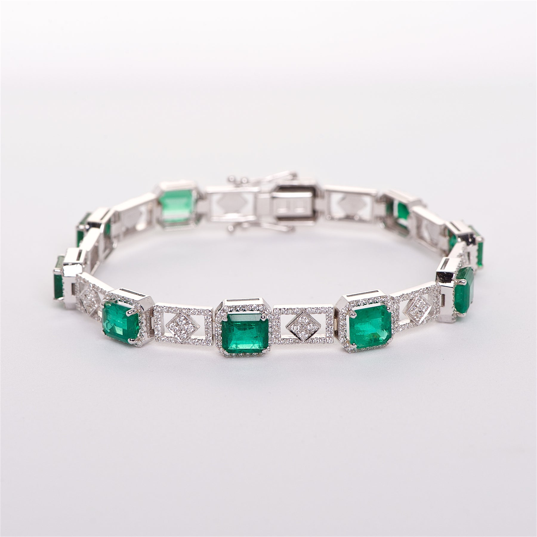 The Fiona - 18K Colombian Emerald and Diamond Bracelet