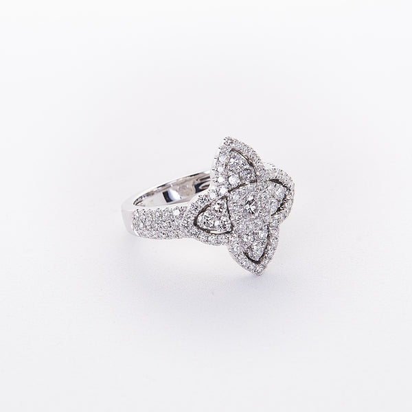 The Mila - 18K White Gold and Floral Shaped Diamond Ring