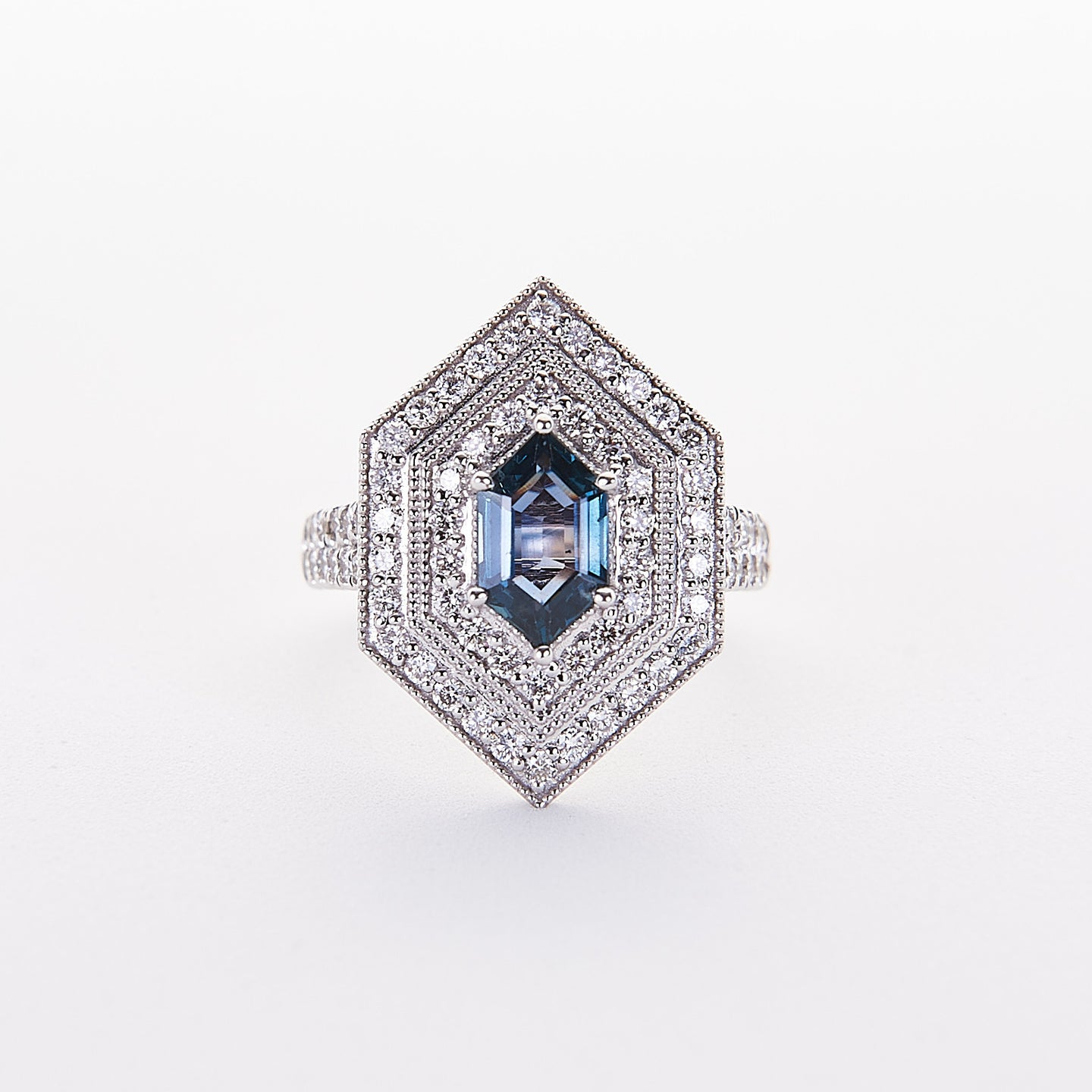 The Sky - 18K White Gold and Alexandrite Ring