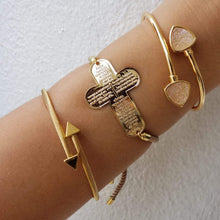 Load image into Gallery viewer, Arrow Gold Bangle Bracelet - Loreta Accesorios