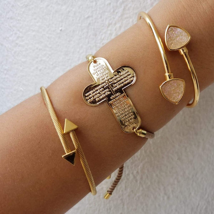 Arrow Gold Bangle Bracelet - Loreta Accesorios