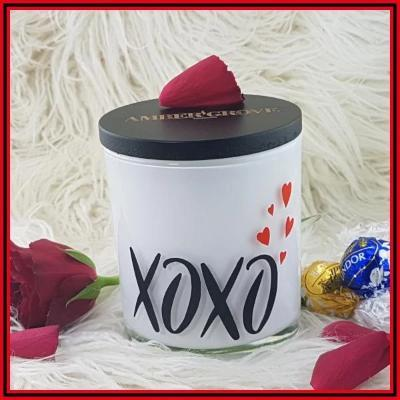 Gifts Actually - Amber Grove - Soy wax Candle - Romance - XOXO with Hearts