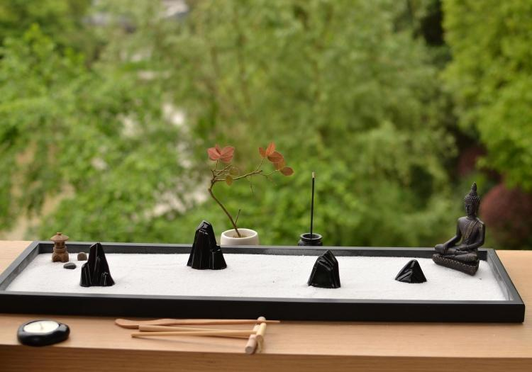 Relax and meditate with this Traditional Chinese Yoga Zen Garden - Main Image