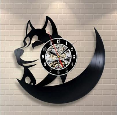 Gifts Actually - Wall Clock - laser cut vinyl record (Wolf)