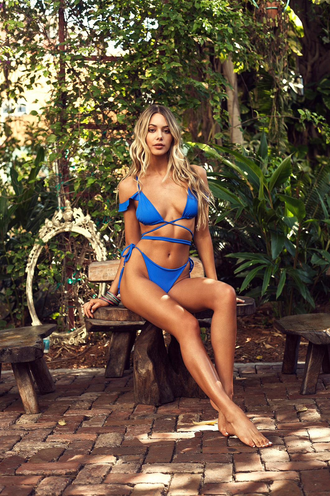 LAMAI top X BAY bottom // Azul