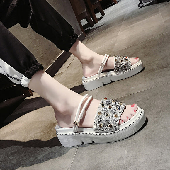 c5e059a63bf 2018 new Korean fashion rhinestone platform sandals