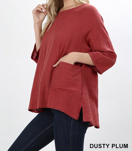 Gauze top with pockets in high low hem in dusty plum