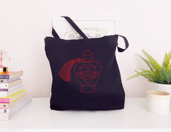 tote-lovepotion-black-red.jpg
