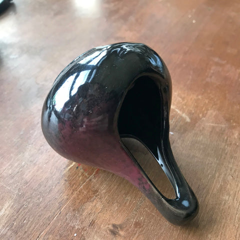 6Witch3 ceramic teardrop burner, detail photo of black burner