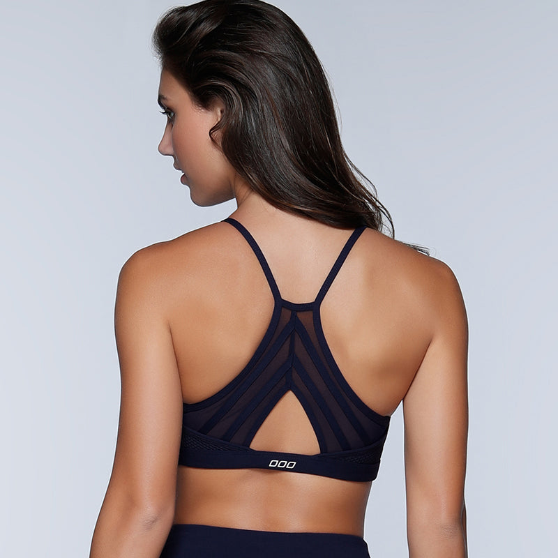 Cross-back black sports bra for women