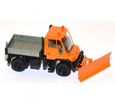 Wiking Unimog with snowplough