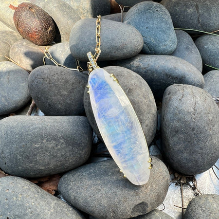 Smooth Rondelle Shaped Beaded Opal Necklace