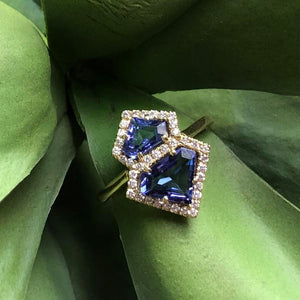 Kiss Geometric Tanzanite Ring