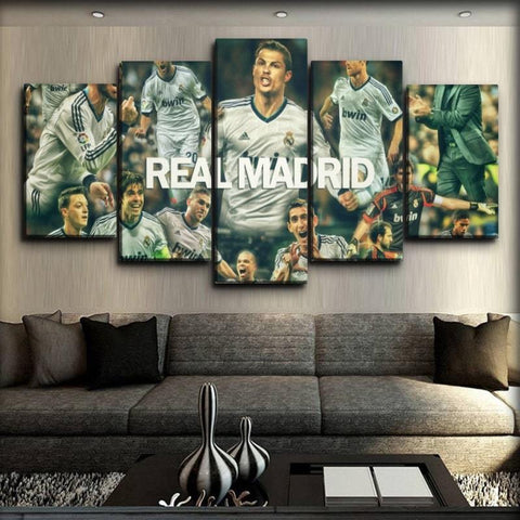 Real Madrid - The Team Living Legends