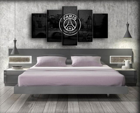 Image of Paris Saint-Germain - Old House Background
