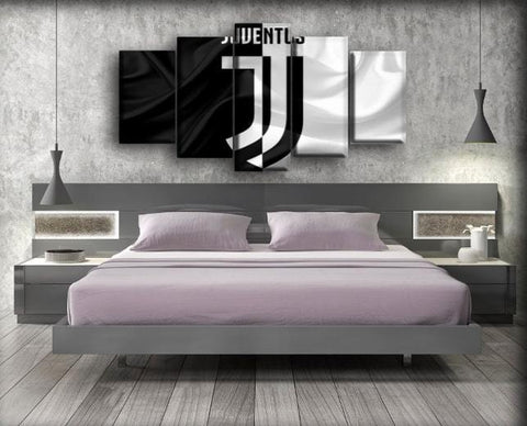 Image of Juventus - Black And White Silk Background