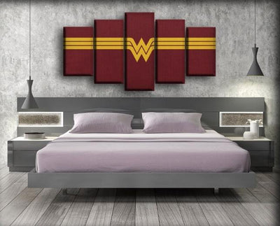 Wonder Woman - Vintage Logo Maroon Background - Canvas Monsters
