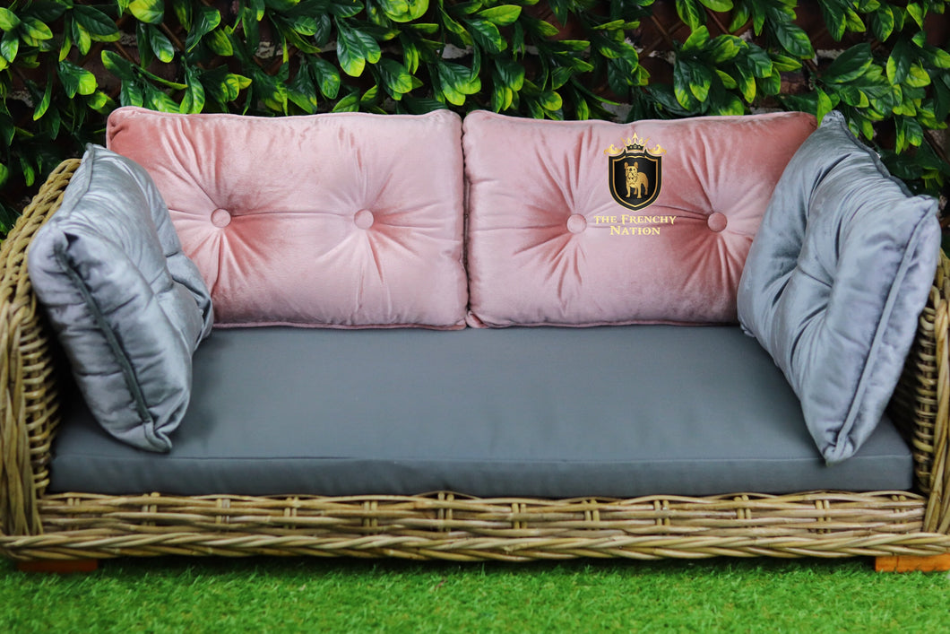 Large Luxurious Wicker Lounger (Perth Pick up Only)