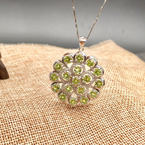 KJJEAXCMY Fine jewelry Colorful jewelry 925 silver inlaid NATURAL PERIDOT pendants, ladies generous wholesale