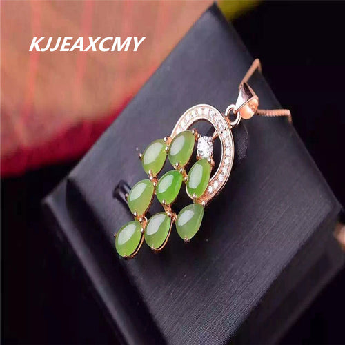KJJEAXCMY boutique jewelry,Natural and Tian Biyu pendant, female spinach green with chain K gold craft inlaid with fine workmans
