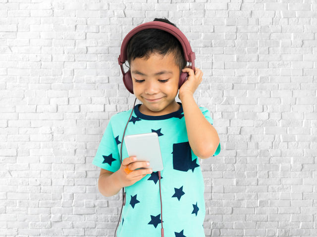 6 important life skills learning gained from learning music at a young age
