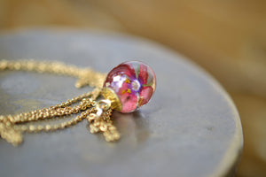 Scarlet Pimpernel Necklace (gold)