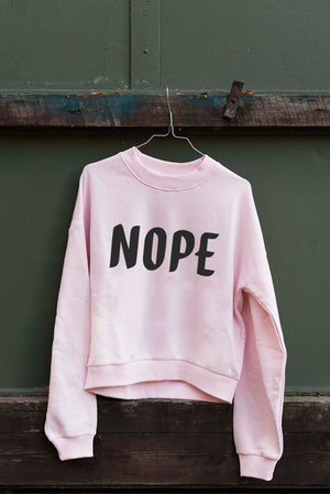 NOPE – Sweatshirt (Crop & Unisex)