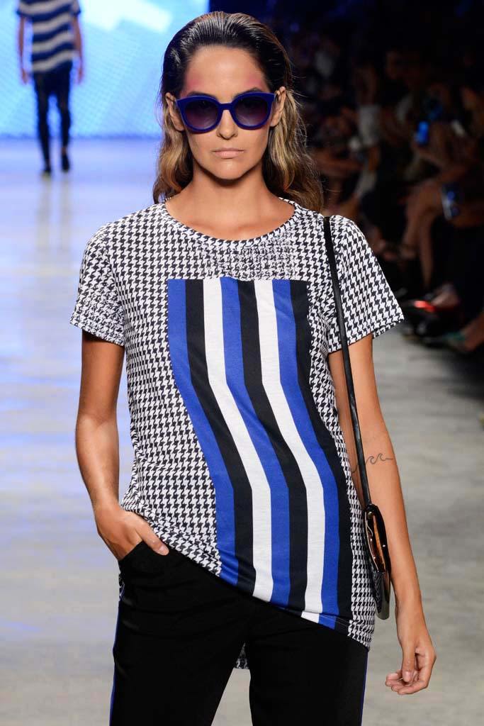 Houndstooth Back Drop T-shirt