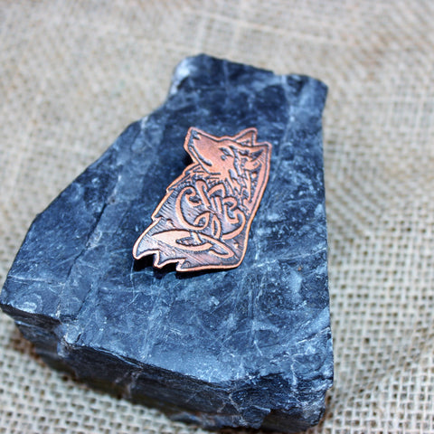Copper wolf brooch