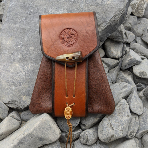 Triskelion soft belt bag (Light brown)