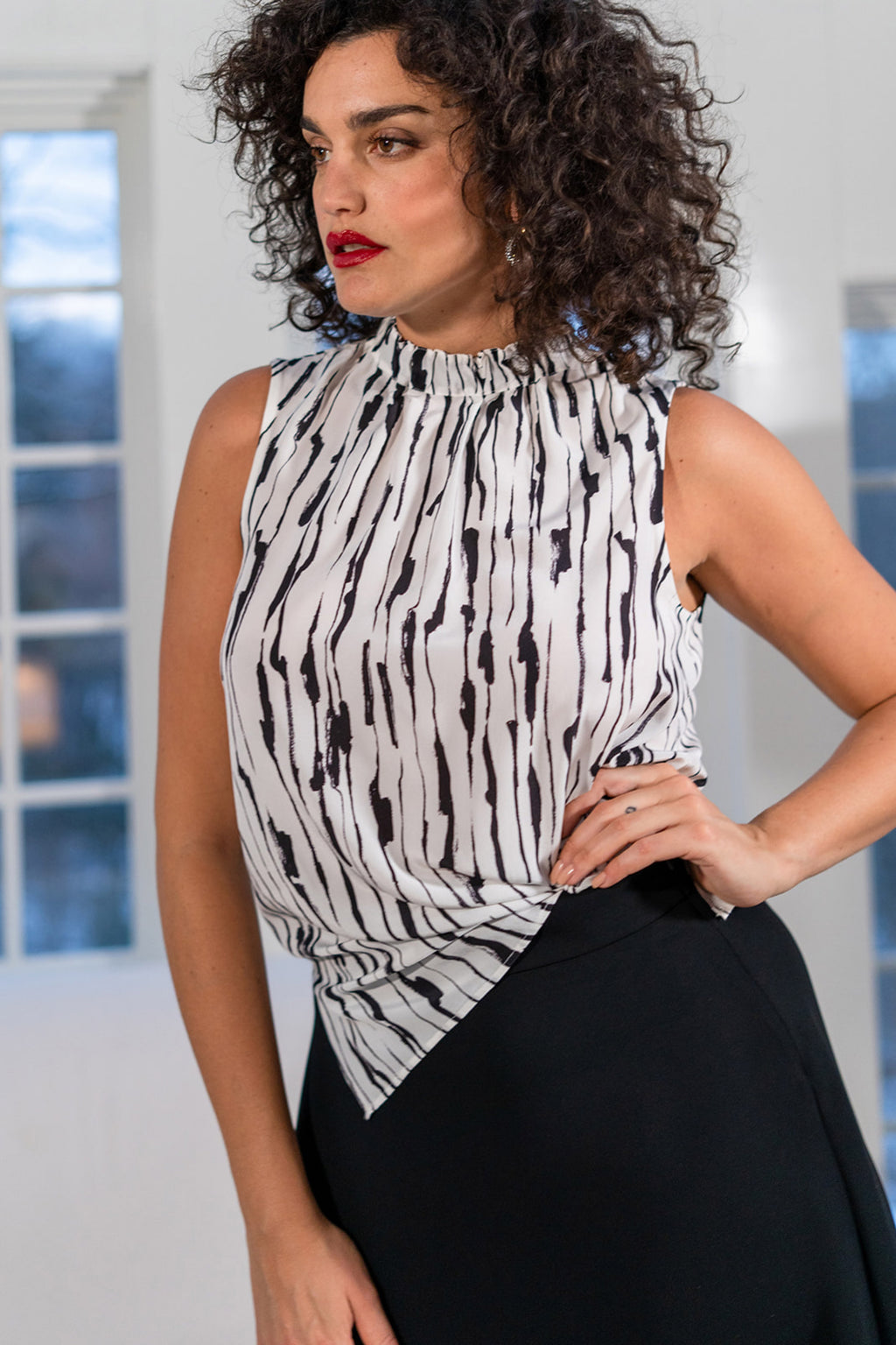 PRINTED SILK CREPE TOP in BLACK & WHITE