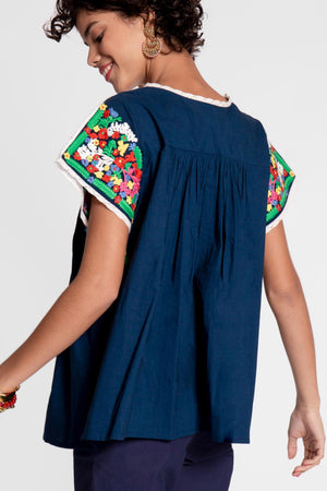 EMBROIDERED FLOWER TOP - NAVY