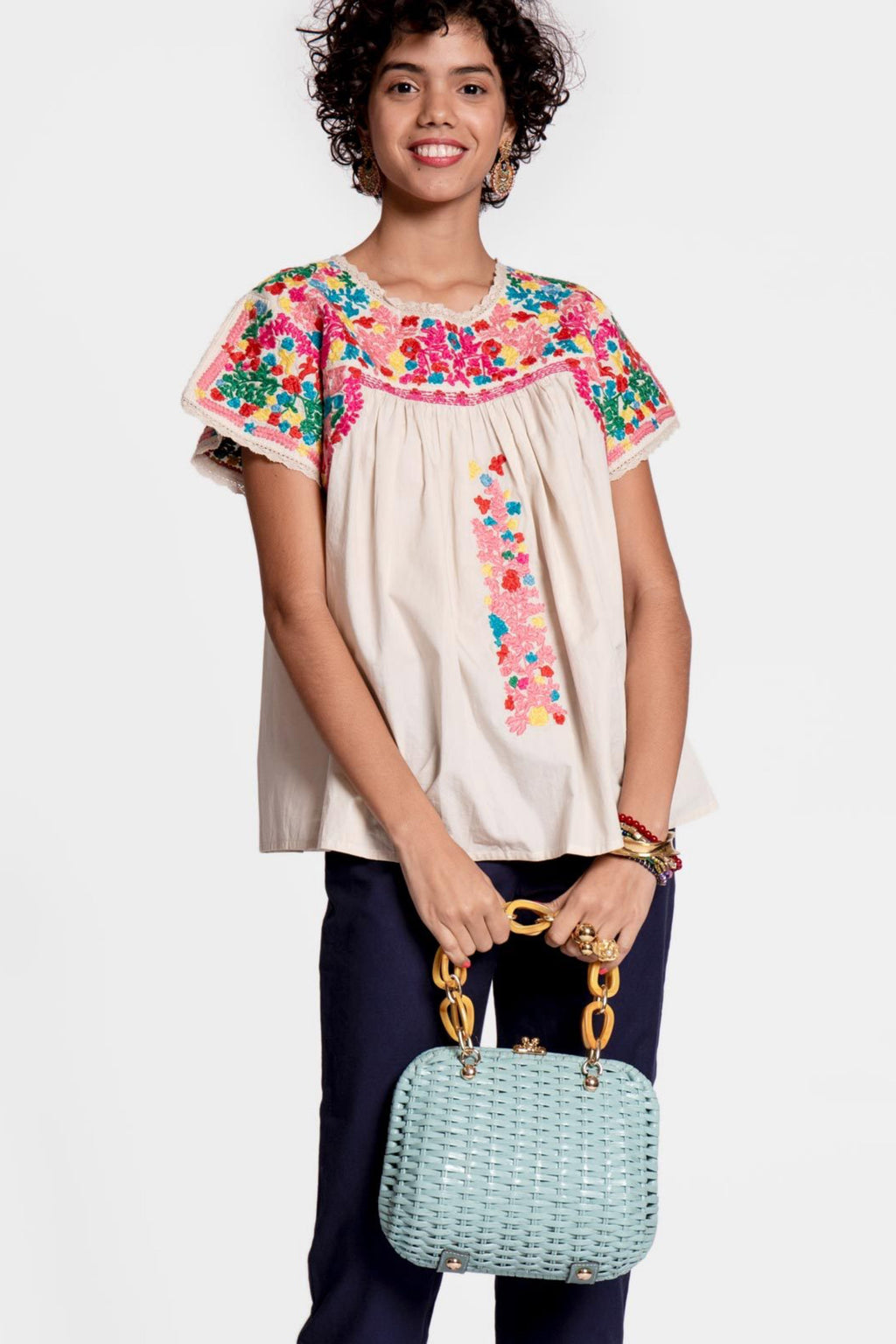 EMBROIDERED FLOWER TOP - OYSTER