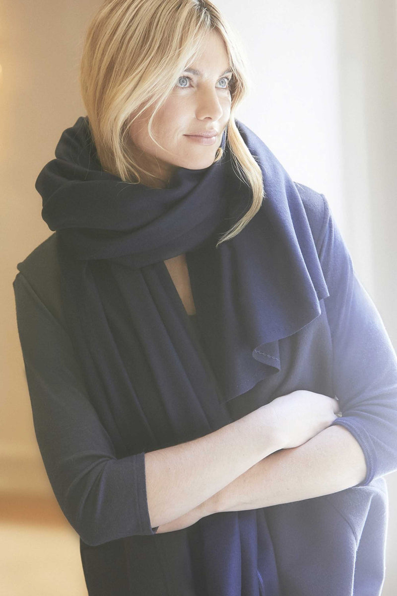 ITALIAN CASHMERE TRAVEL WRAP - MIDNIGHT