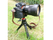 Load image into Gallery viewer, Mini tripod, up to 75Kg!