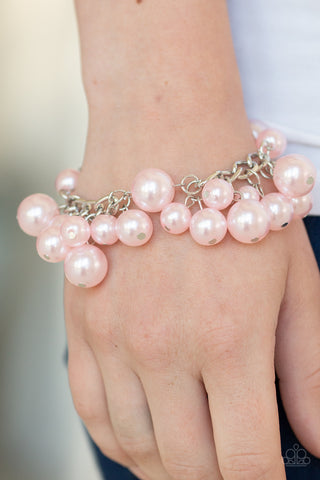 Girls in Pearls - Pink