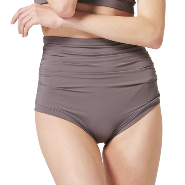 Sharon Move Shorts in Chocolate Grey