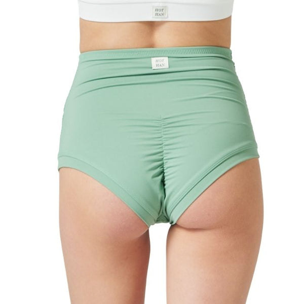 Sharon Move Shorts in Pale Green