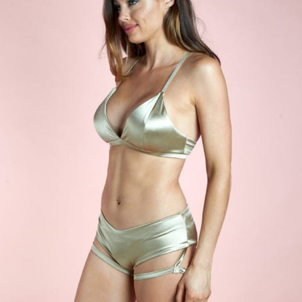 Lure You Low Waist Garter Shorts - Gold