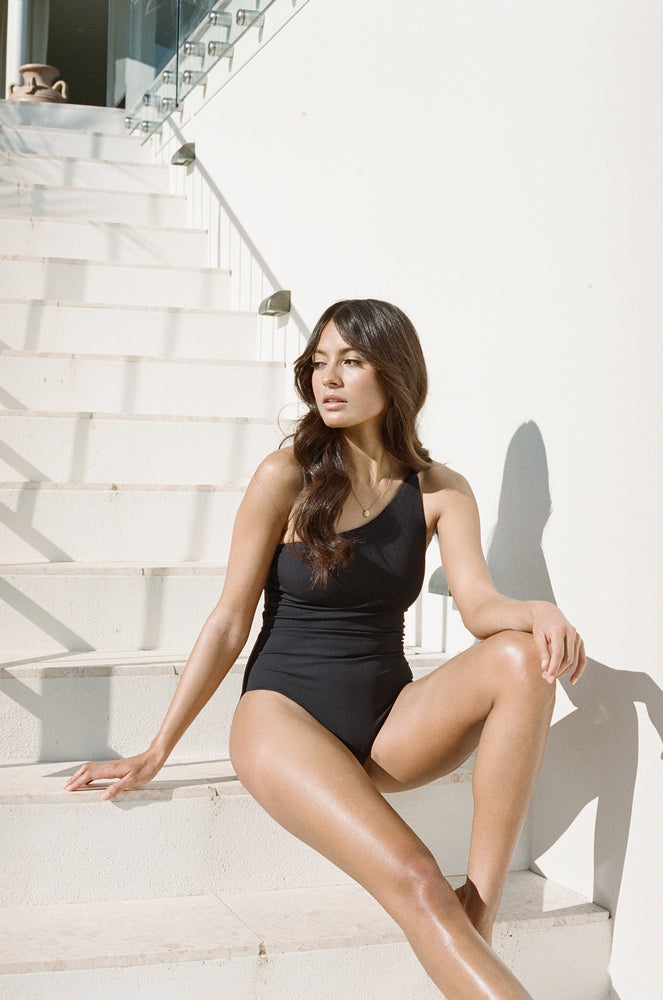 Amalfi One Shouler One Piece - Black Rib