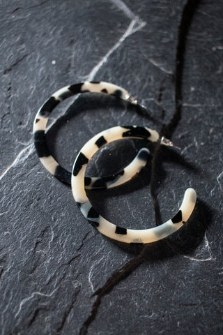 Medium Blonde Tortoise Hoops