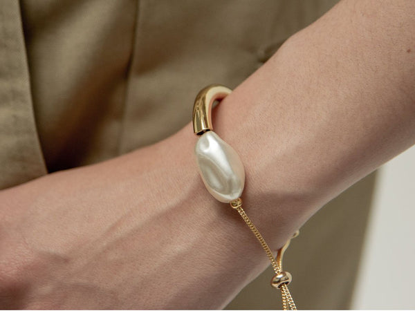 Pearl Tipping Point Bracelet