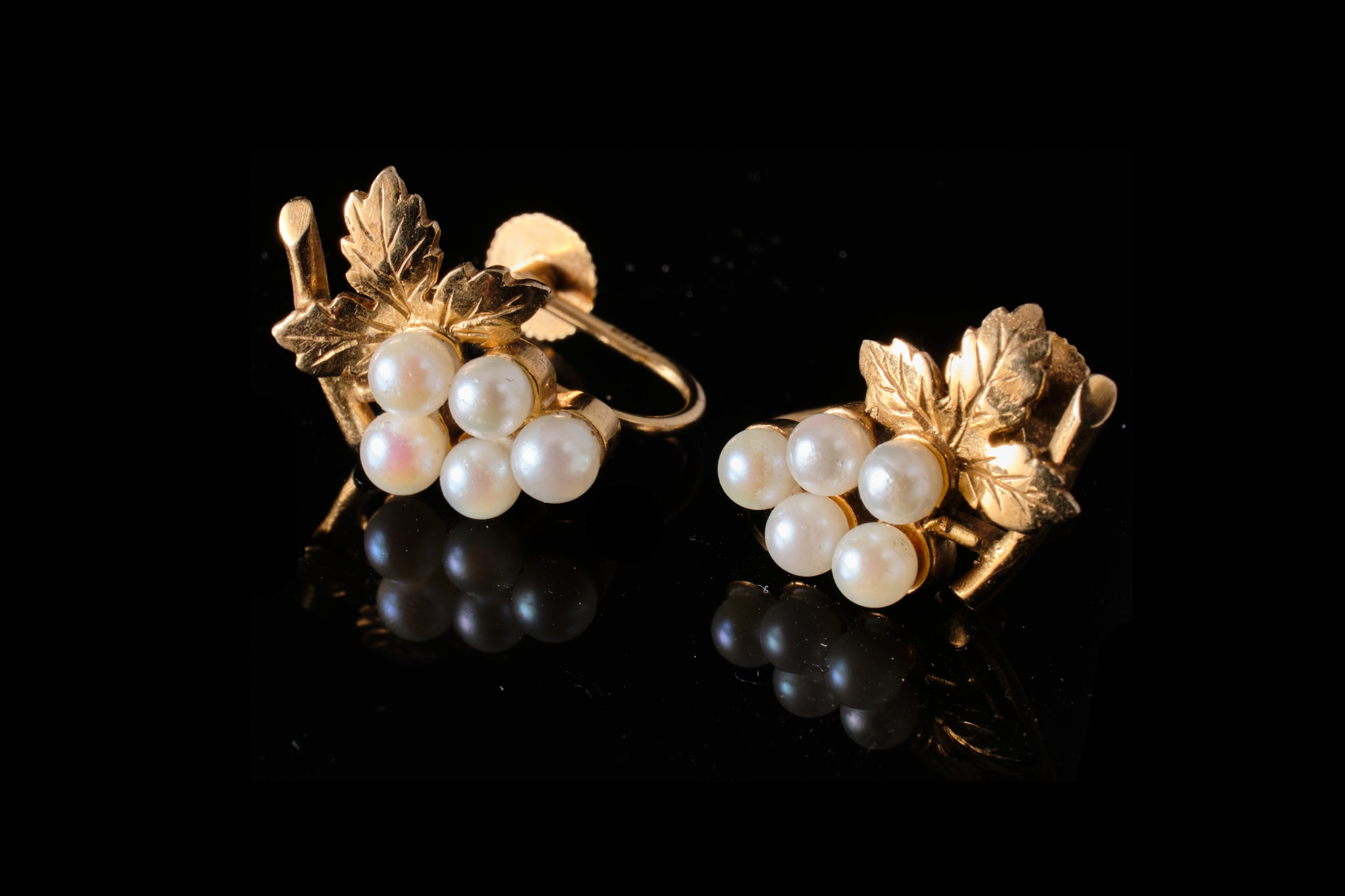 Vintage Gold and Pearl Earrings.