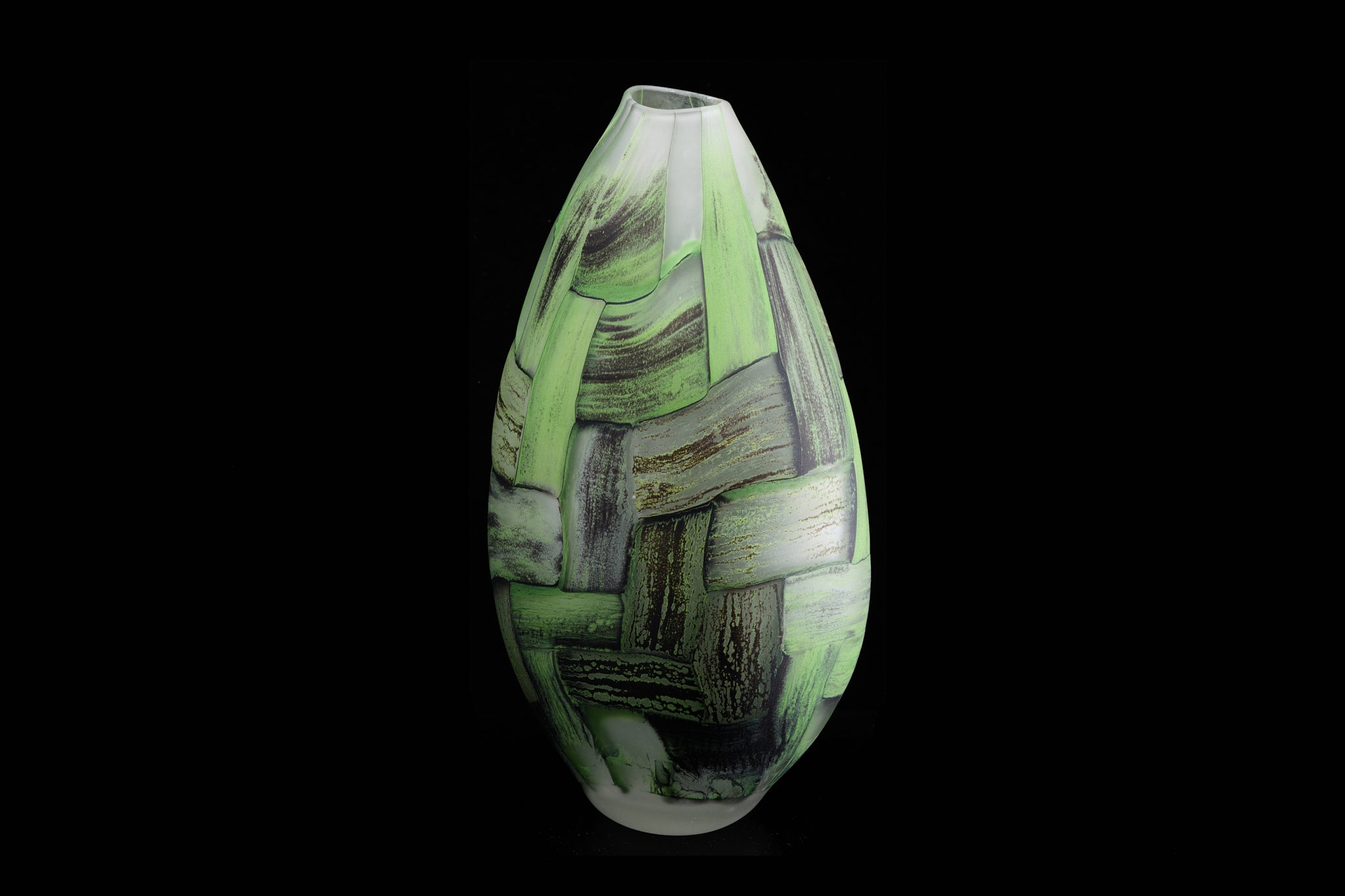 Stephen Bradbourne -  New Zealand Art Glass Maker.