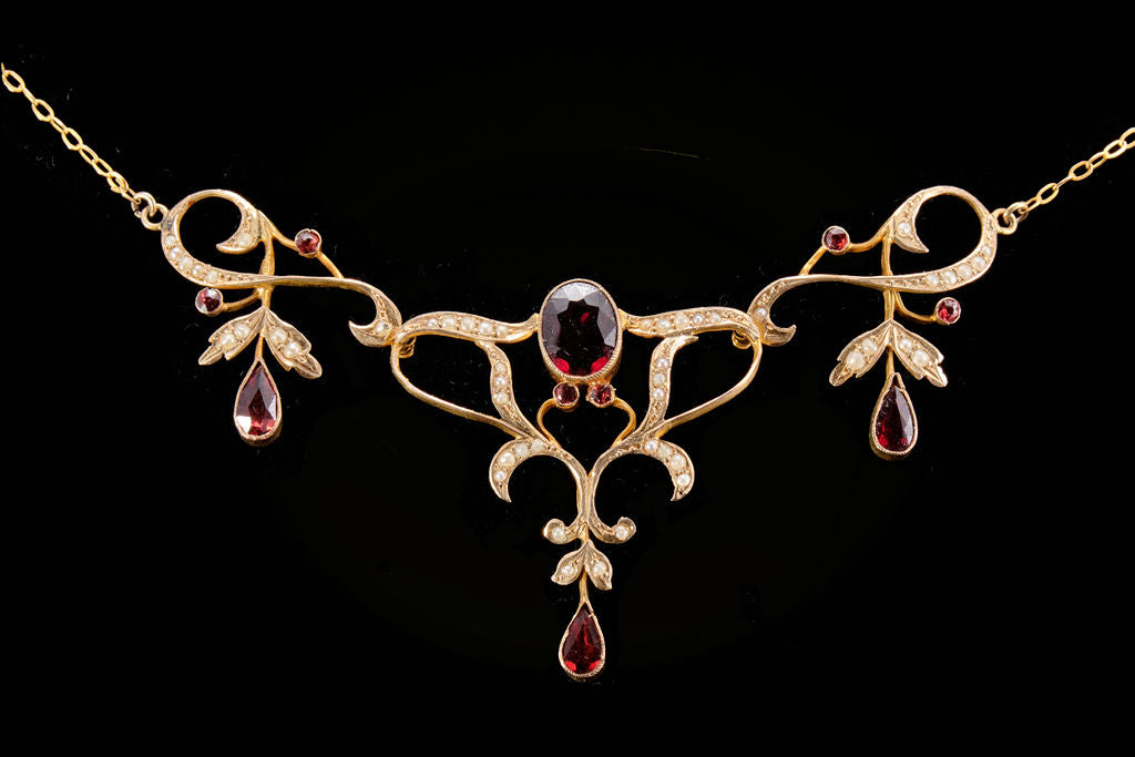 Edwardian Gold, Garnet and Seed Pearl Necklet.