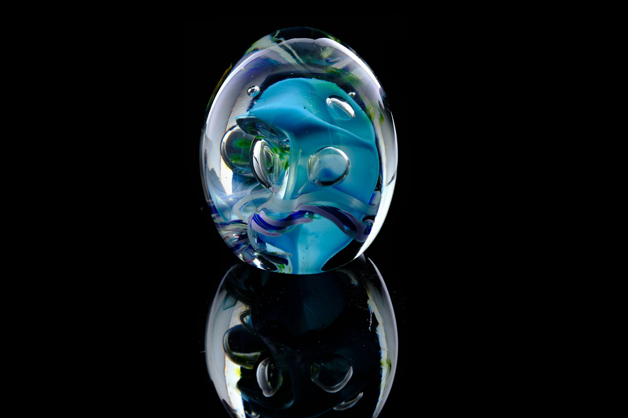 Contemporary Paperweight by Peter Viesnik.
