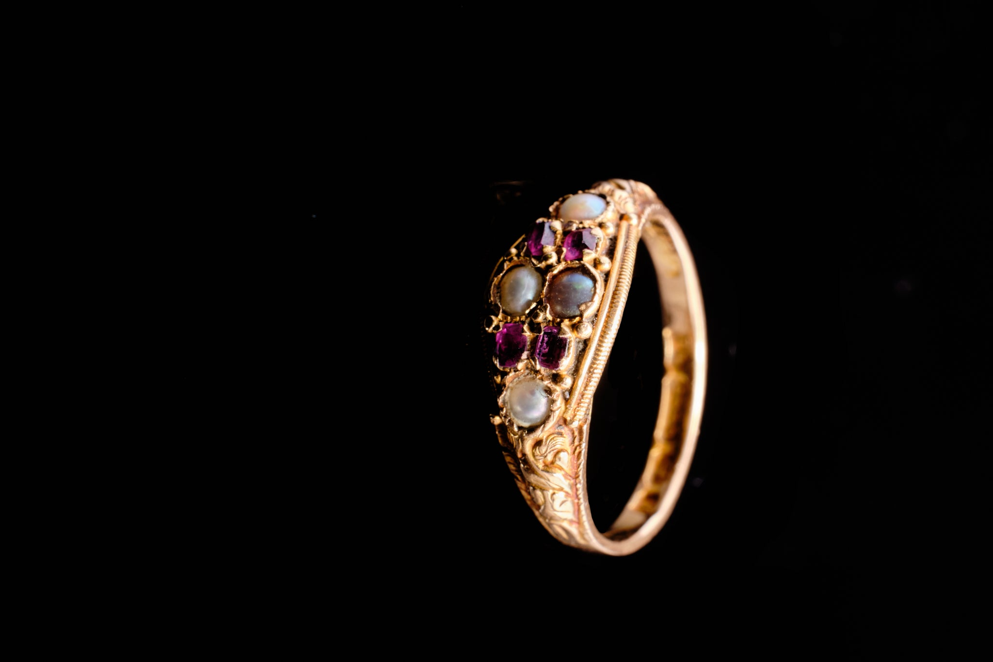 Victorian Gold, Amethyst and Pearl Ring