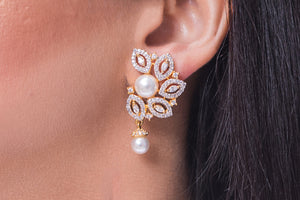 IRIS Pearl Drop Earrings