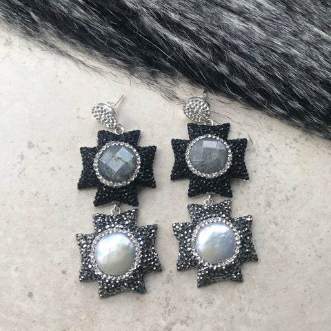 GREY & PEARL DROP