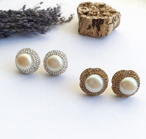 PEARL ROUND STUDS
